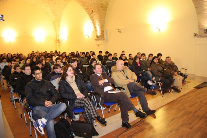 13 febbraio 2010 studenti, professori e il Sindaco di Penne