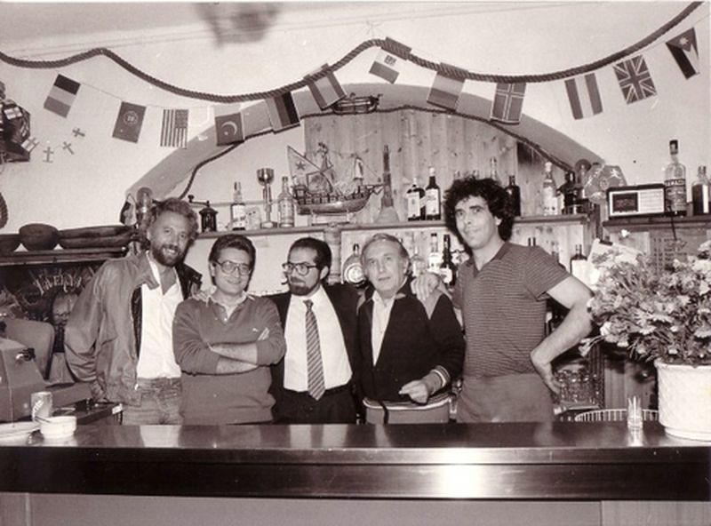 1972-Genova-presso la Comunità S.Benedetto con Don Gallo, il collega Cuozzo e il giornalista Di Salvo