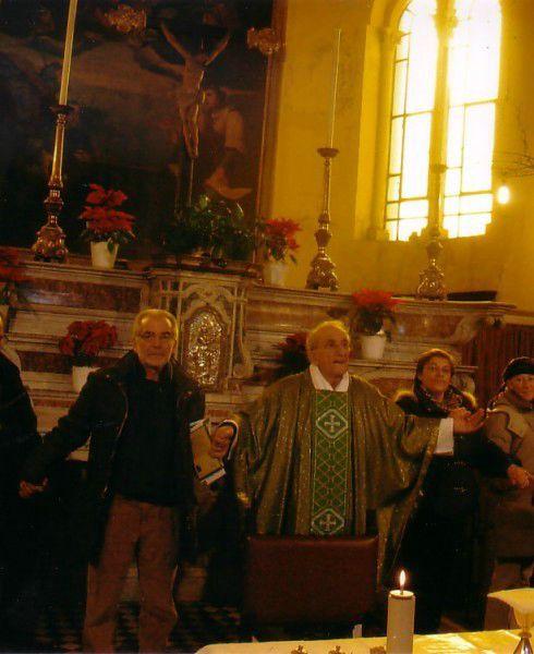 Genova 25 gennaio 2009, pregando con Don Gallo nella Chiesa di San Benedetto al porto