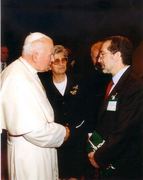Roma-Sala Nervi-1997-Col Santo Padre Giovanni Paolo II durante un convegno sulla droga